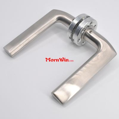 China supplier stainless steel lever door handles on round rose